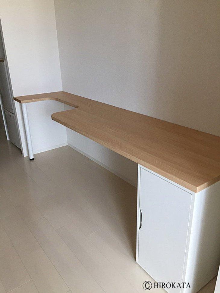 隙間スペースにピッタリおさまるテーブル天板