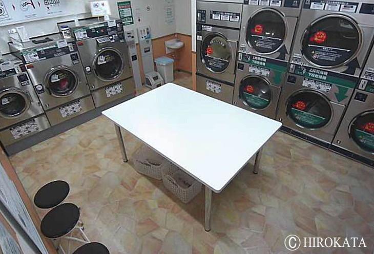 メラミン化粧板単色白を使用した作業台