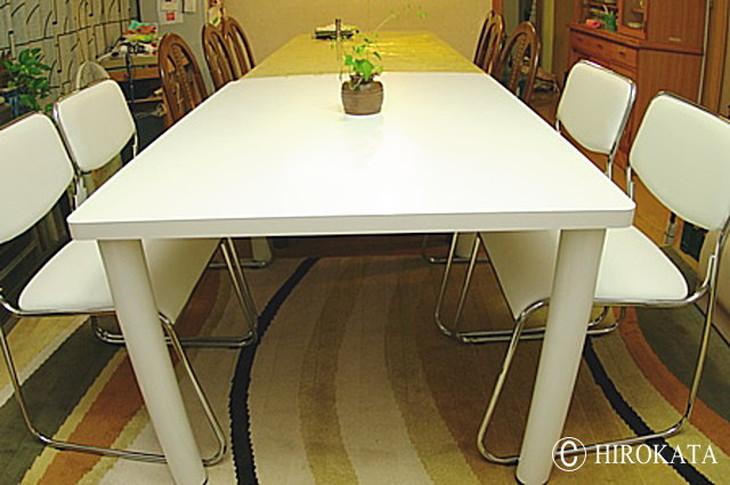 白でマットなテーブル天板 既存テーブルの拡張、延長用天板です。