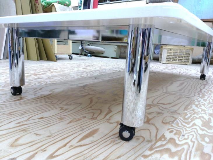 展示台の脚、キャスター付きポール脚
