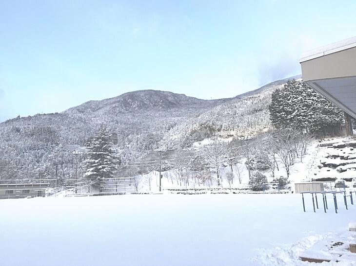柳谷小学校の冬