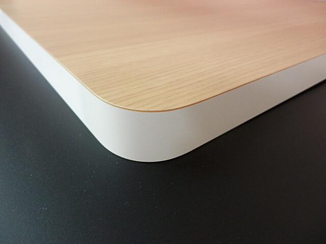 メラミン化粧板仕上げの天板木口の継ぎ目