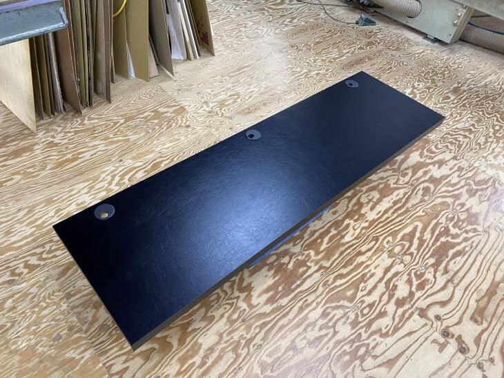 電動昇降デスクの天板はメラミン化粧板がおすすめ