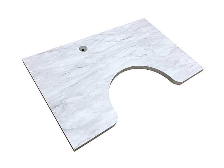パソコンデスク天板に最適な素材はメラミン化粧板です。