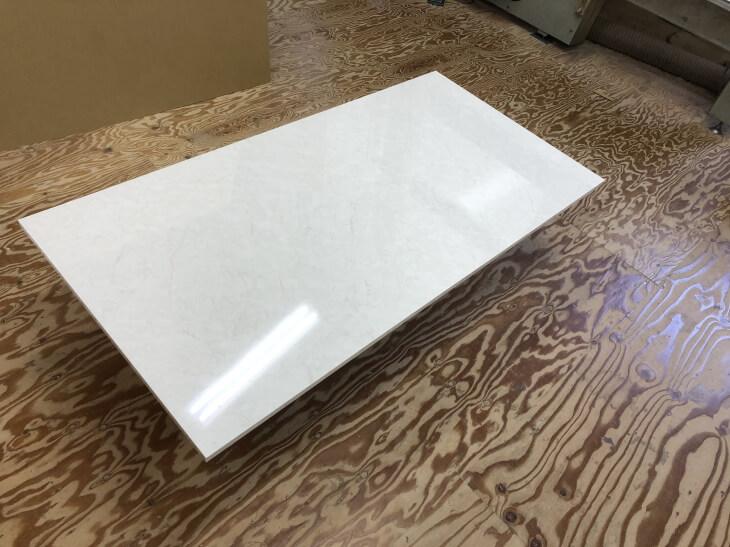 テーブル天板DIYならメラミン化粧板仕上げがおすすめです。