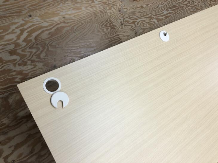 カウンターテーブルの配線孔