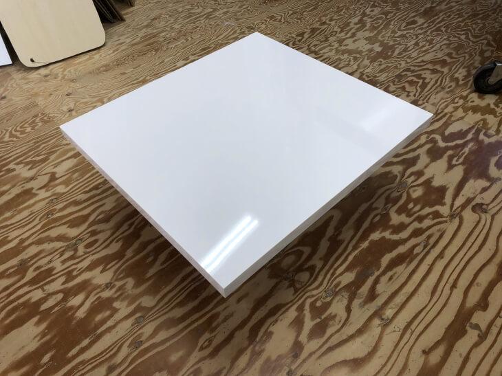 メラミン化粧板鏡面単色白スクエア形状テーブル天板